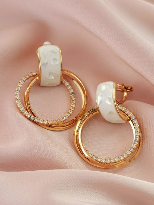 16K gold [triangle clip] Brass Shell Geometric Minimalist Clip Earring